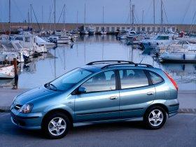 Ver foto 10 de Nissan Almera Tino 2000