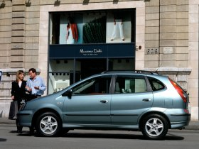 Ver foto 6 de Nissan Almera Tino 2000