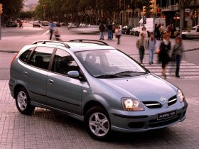 Ver foto 4 de Nissan Almera Tino 2000