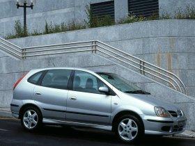 Ver foto 2 de Nissan Almera Tino 2000