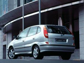 Ver foto 23 de Nissan Almera Tino 2000