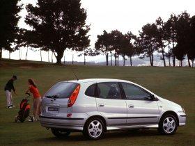 Ver foto 22 de Nissan Almera Tino 2000