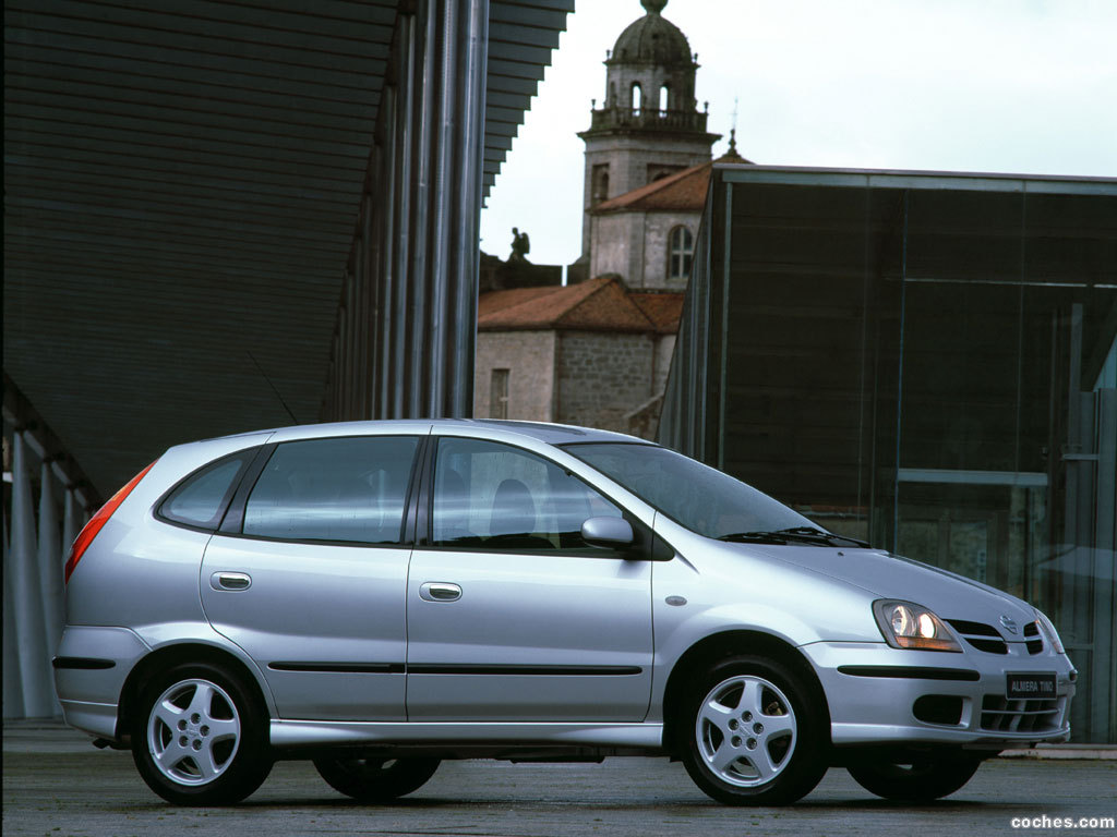 Foto 0 de Nissan Almera Tino 2000