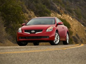 Ver foto 8 de Nissan Altima Coupe 2009