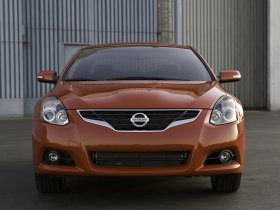 Ver foto 3 de Nissan Altima Coupe 2010