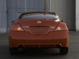 Ver foto 2 de Nissan Altima Coupe 2010
