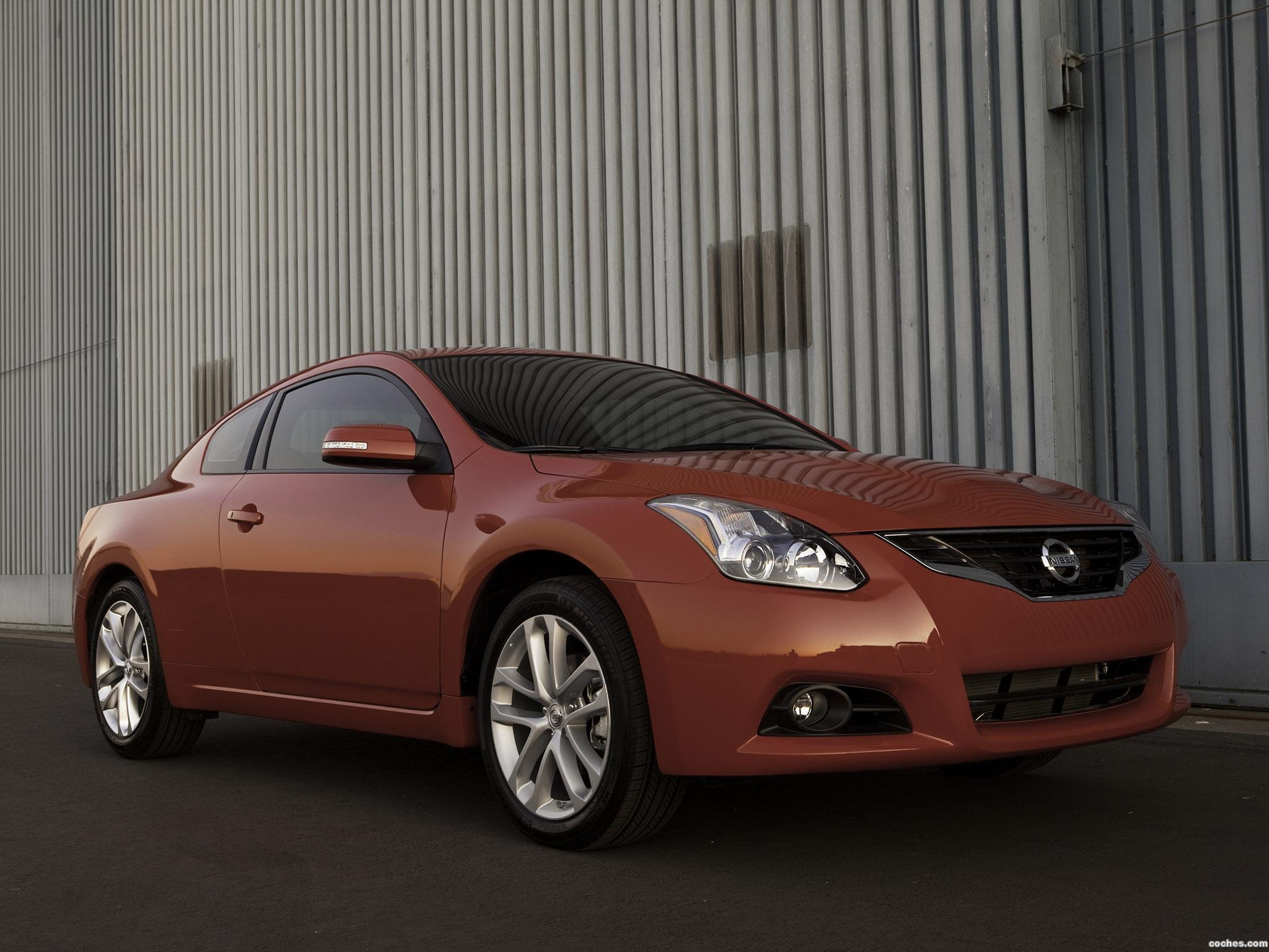 Foto 0 de Nissan Altima Coupe 2010