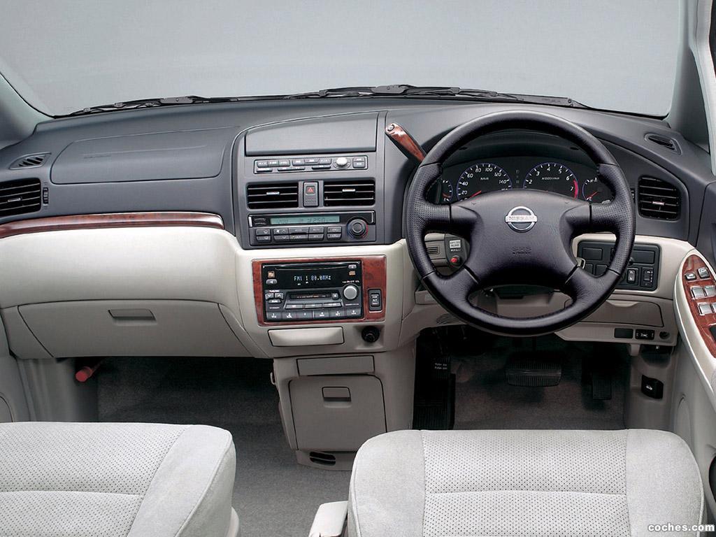 Foto 4 de Nissan Bassara JU30 2001