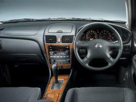 Ver foto 3 de Nissan Bluebird 2000