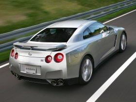 Ver foto 12 de Nissan GT-R 2008