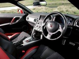 Ver foto 23 de Nissan GT-R UK 2008
