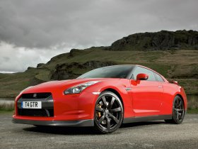 Fotos de Nissan GT-R UK 2008