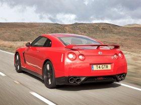 Ver foto 18 de Nissan GT-R UK 2008