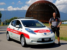 Fotos de Nissan Leaf Swiss Police Car 2013