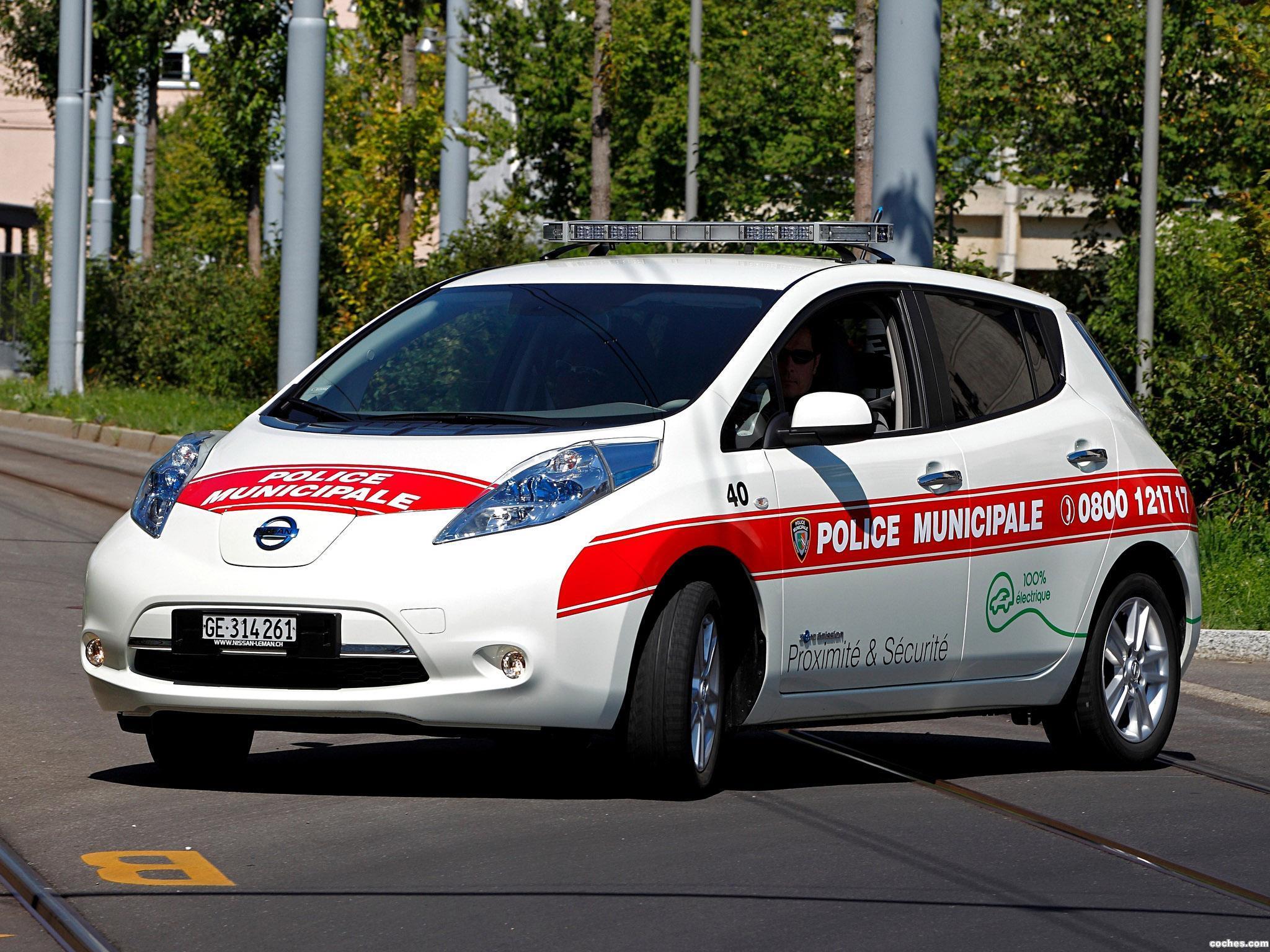 Foto 1 de Nissan Leaf Swiss Police Car 2013