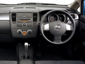 Ver foto 10 de Nissan Tiida 2004