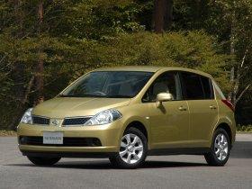 Ver foto 1 de Nissan Tiida 2004