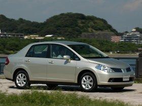 Ver foto 4 de Nissan Tiida 2004