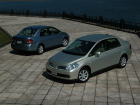 Ver foto 3 de Nissan Tiida 2004