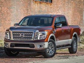 Ver foto 1 de Nissan Titan Platinum Reserve Crew Cab 2016