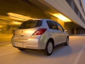 Ver foto 2 de Nissan Versa Hatchback 2007