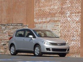 Ver foto 1 de Nissan Versa Hatchback 2007