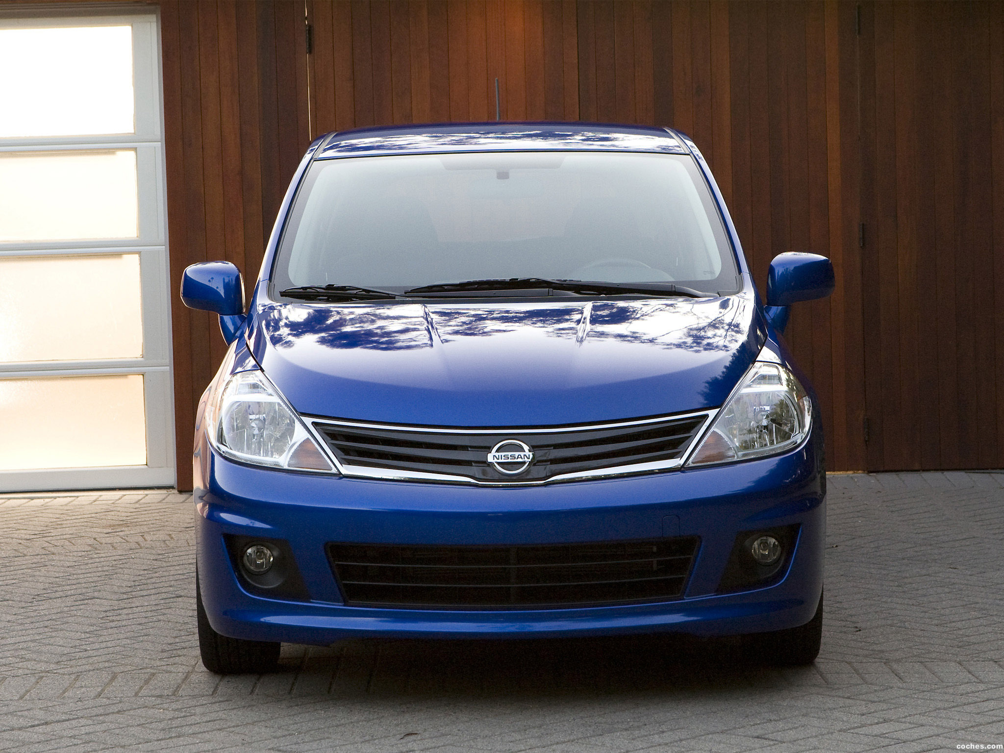 Foto 7 de Nissan Versa Hatchback 2009