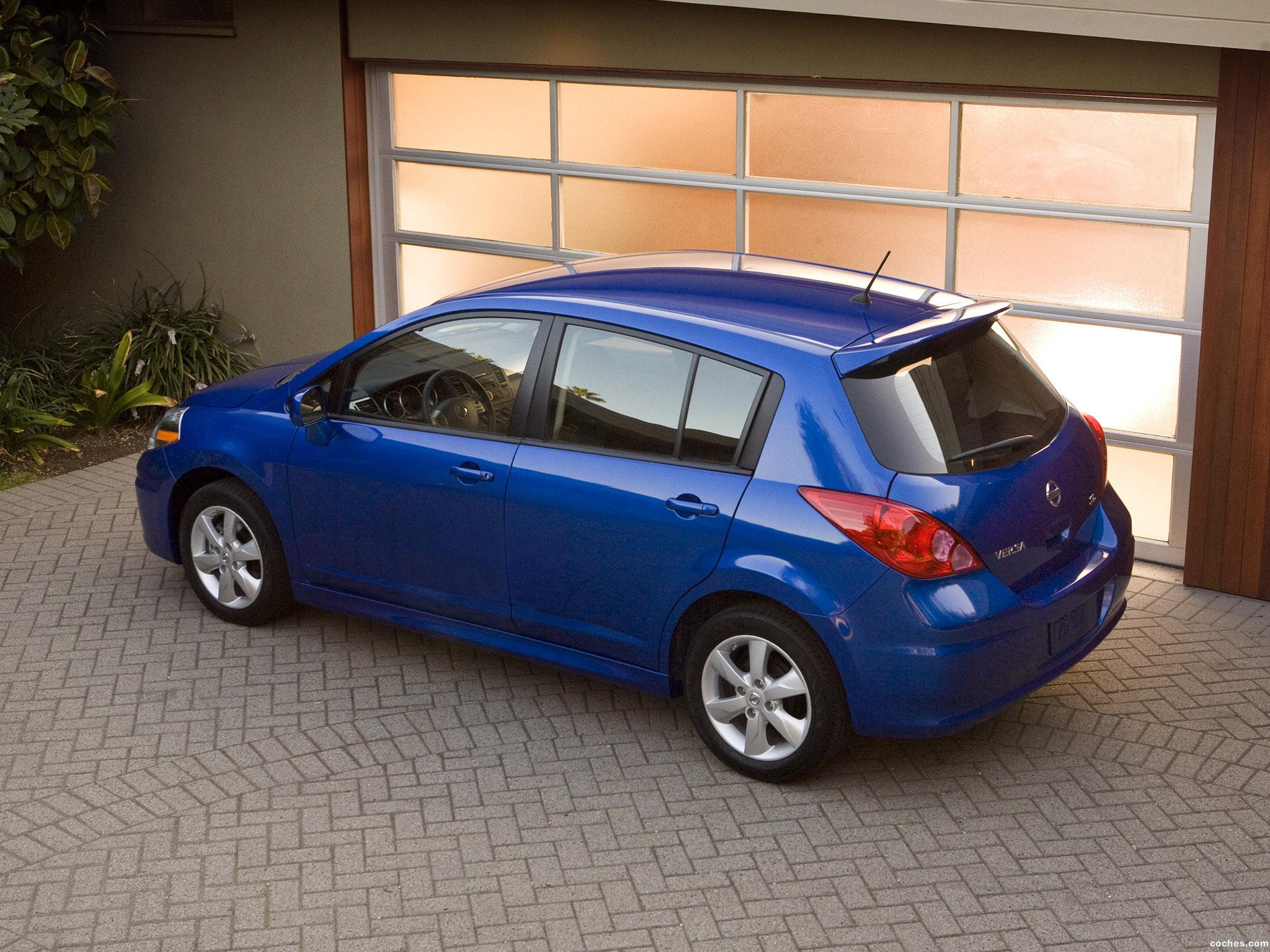 Foto 2 de Nissan Versa Hatchback 2009