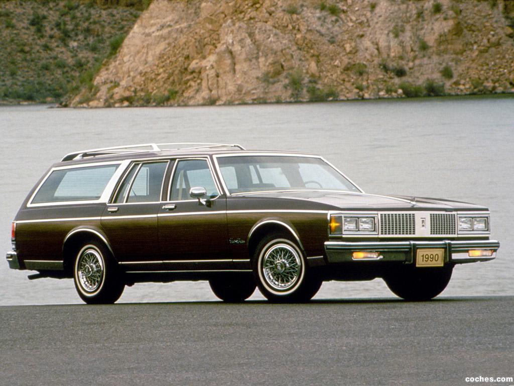 Foto 0 de Oldsmobile Custom Cruiser 1990