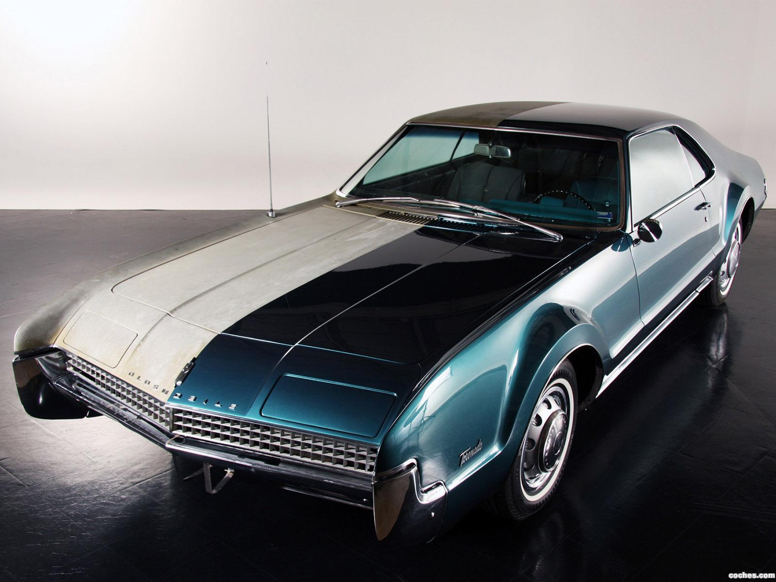 Foto 0 de Oldsmobile Toronado Half And Half by Precision Restorations 1967