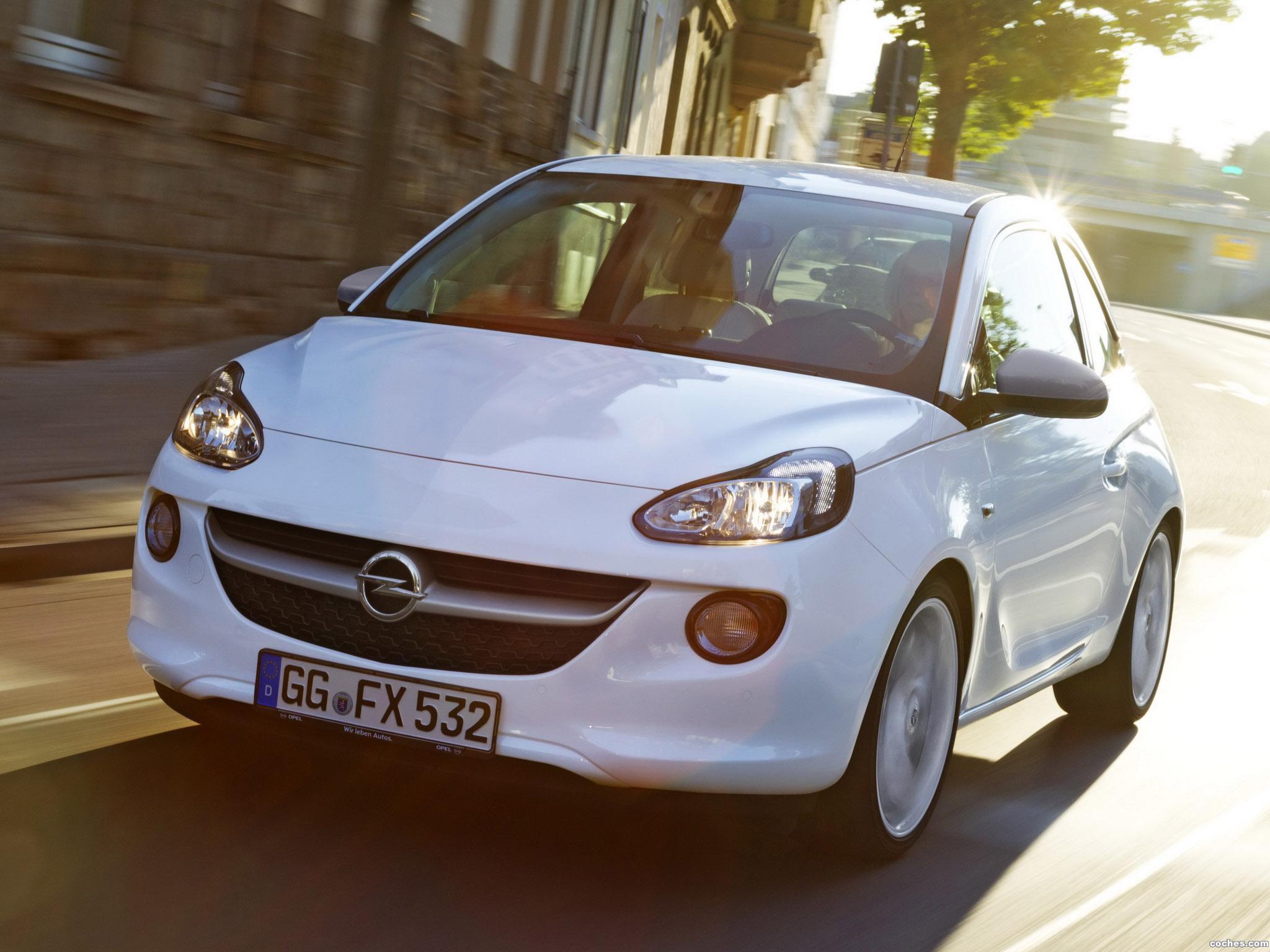 Foto 0 de Opel Adam White Link 2013