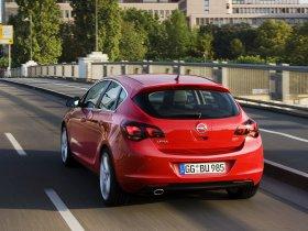 Ver foto 28 de Opel Astra 2009