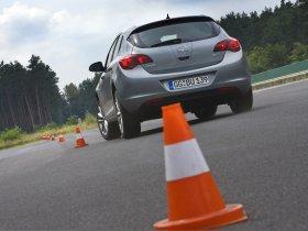 Ver foto 23 de Opel Astra 2009