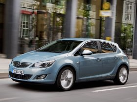 Ver foto 17 de Opel Astra 2009
