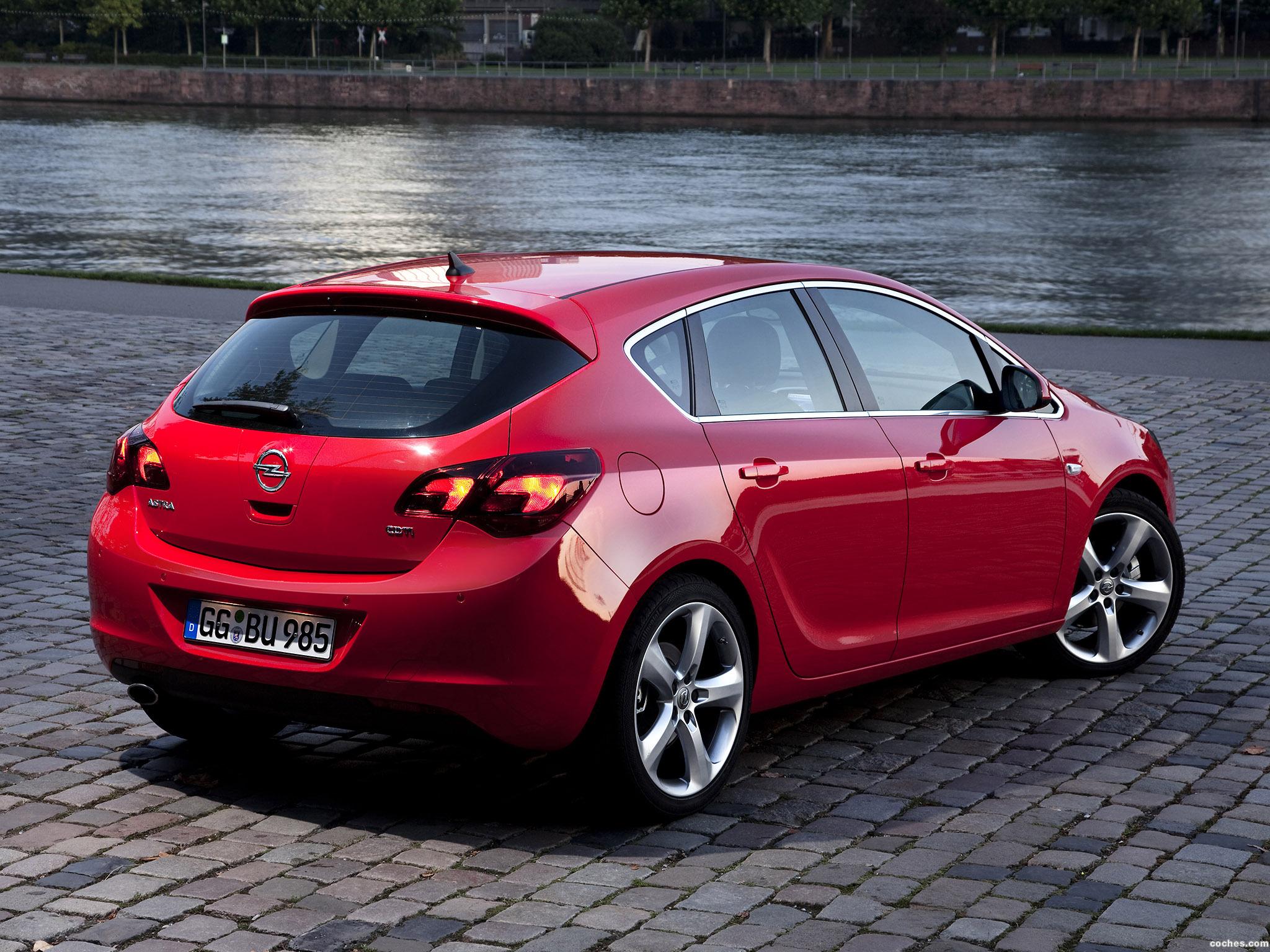 Foto 8 de Opel Astra 2009