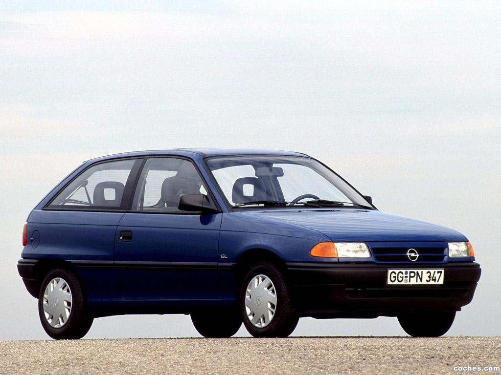 Foto 3 de Opel Astra 3 puertas F 1991