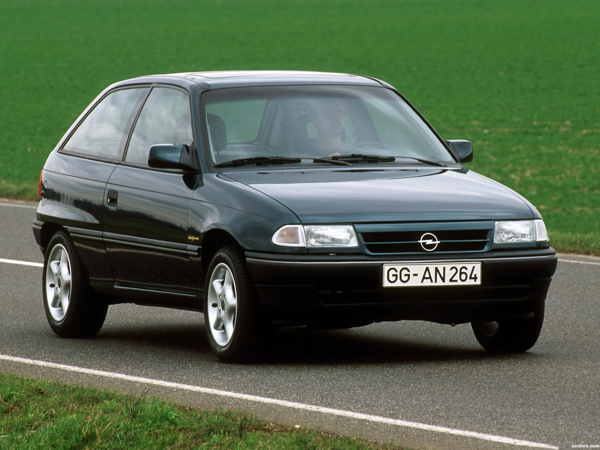 Foto 0 de Opel Astra 3 puertas F 1991