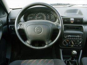 Ver foto 12 de Opel Astra 3 puertas F 1994