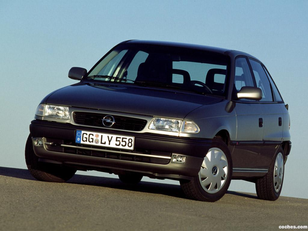 Foto 0 de Opel Astra 5 puertas F 1994