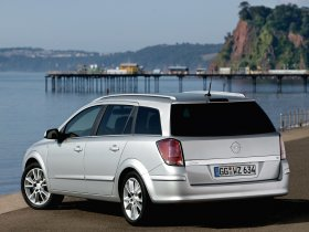 Ver foto 22 de Opel Astra Combi H 2004