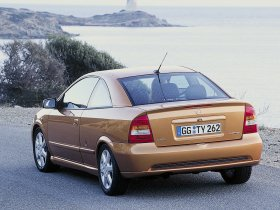 Ver foto 13 de Opel Astra G Coupe 2000