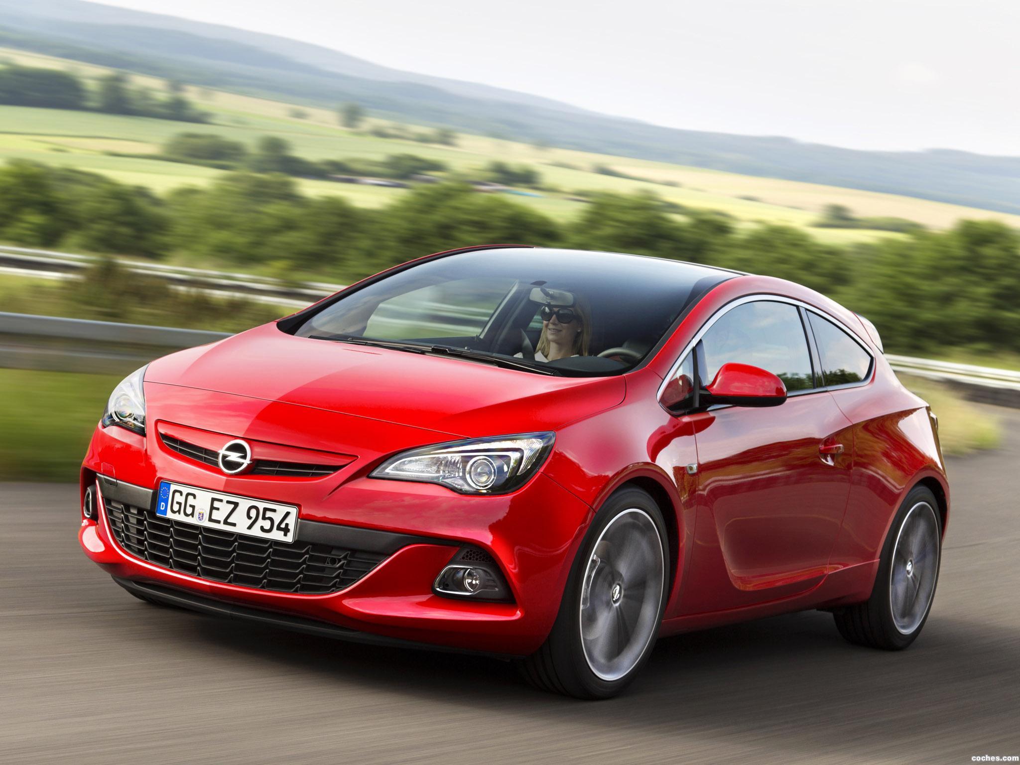 Foto 0 de Opel Astra GSI Biturbo Panoramic 2012