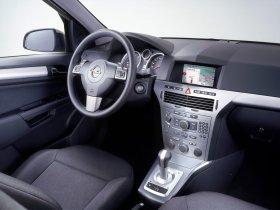 Ver foto 32 de Opel Astra H GTC 2005