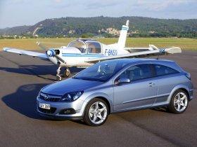 Ver foto 22 de Opel Astra H GTC 2005