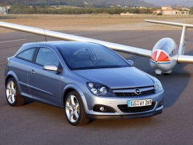 Ver foto 20 de Opel Astra H GTC 2005
