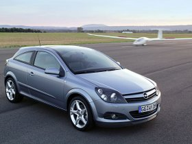 Ver foto 19 de Opel Astra H GTC 2005