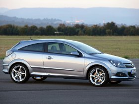 Ver foto 15 de Opel Astra H GTC 2005