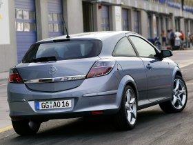 Ver foto 30 de Opel Astra H GTC 2005