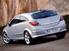 Ver foto 27 de Opel Astra H GTC 2005