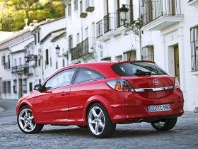Ver foto 9 de Opel Astra H GTC 2005